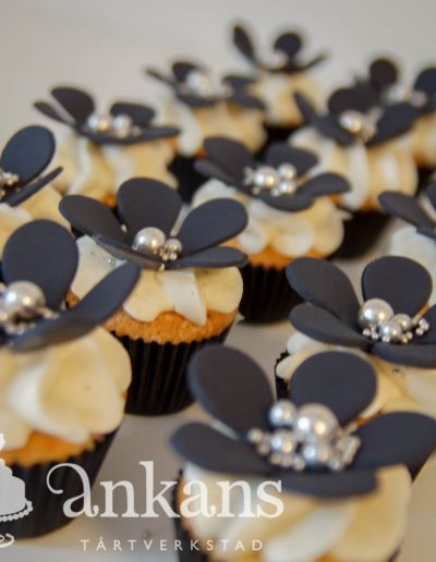 MInicupcake med blomma004