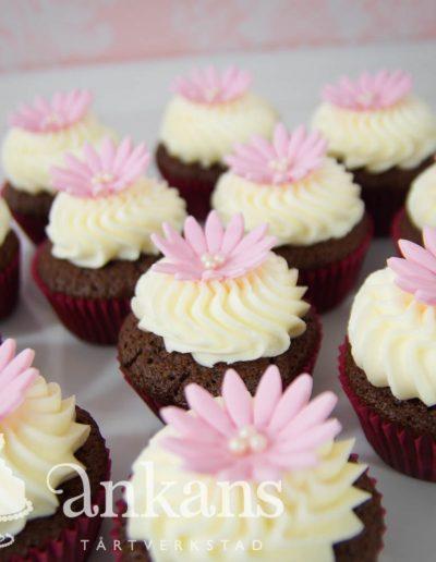 Minicupcakes med blomma002
