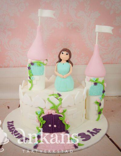 Slott-tårta med prinsessa