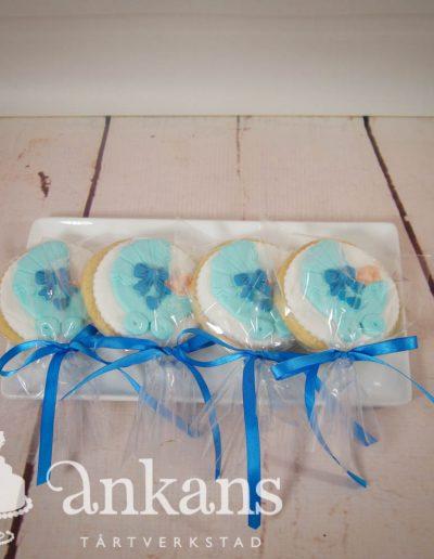 Dekorerade kakor med vagn
