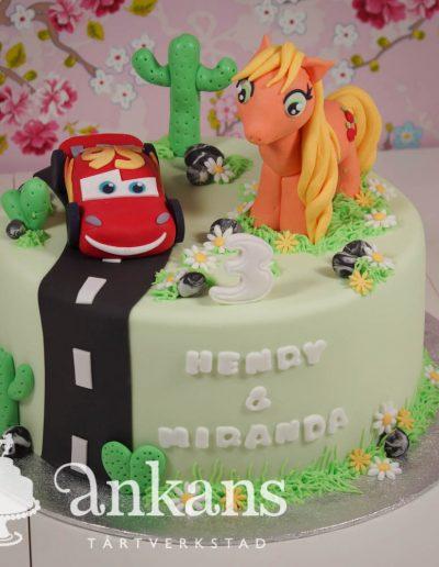 Syskontårta med Blixten McQueen och My Little Pony