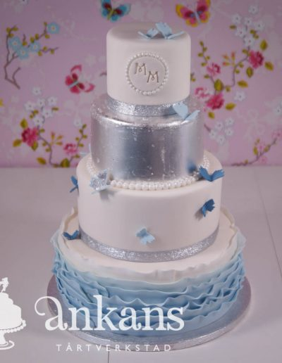 weddingcake-with-edible-silverleaf