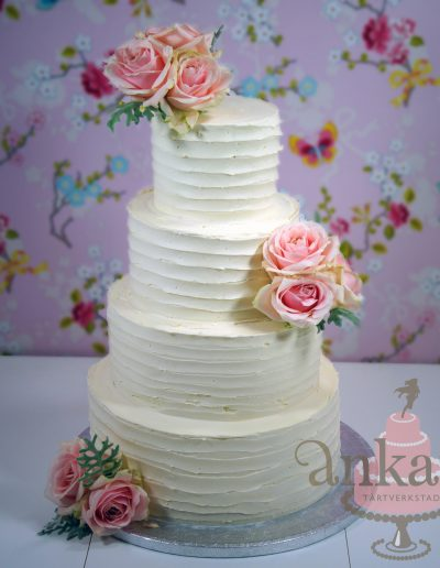weddingcake with roses